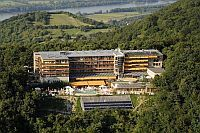 4* Wellness Hotel Visegrad with panoramic view of the Danube Bend