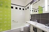 Ibis Styles Budapest Center - bathroom of the 4-star hotel in Budapest with amenities