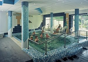 hotel filled with thermal water (6x6 m) is free of charge
